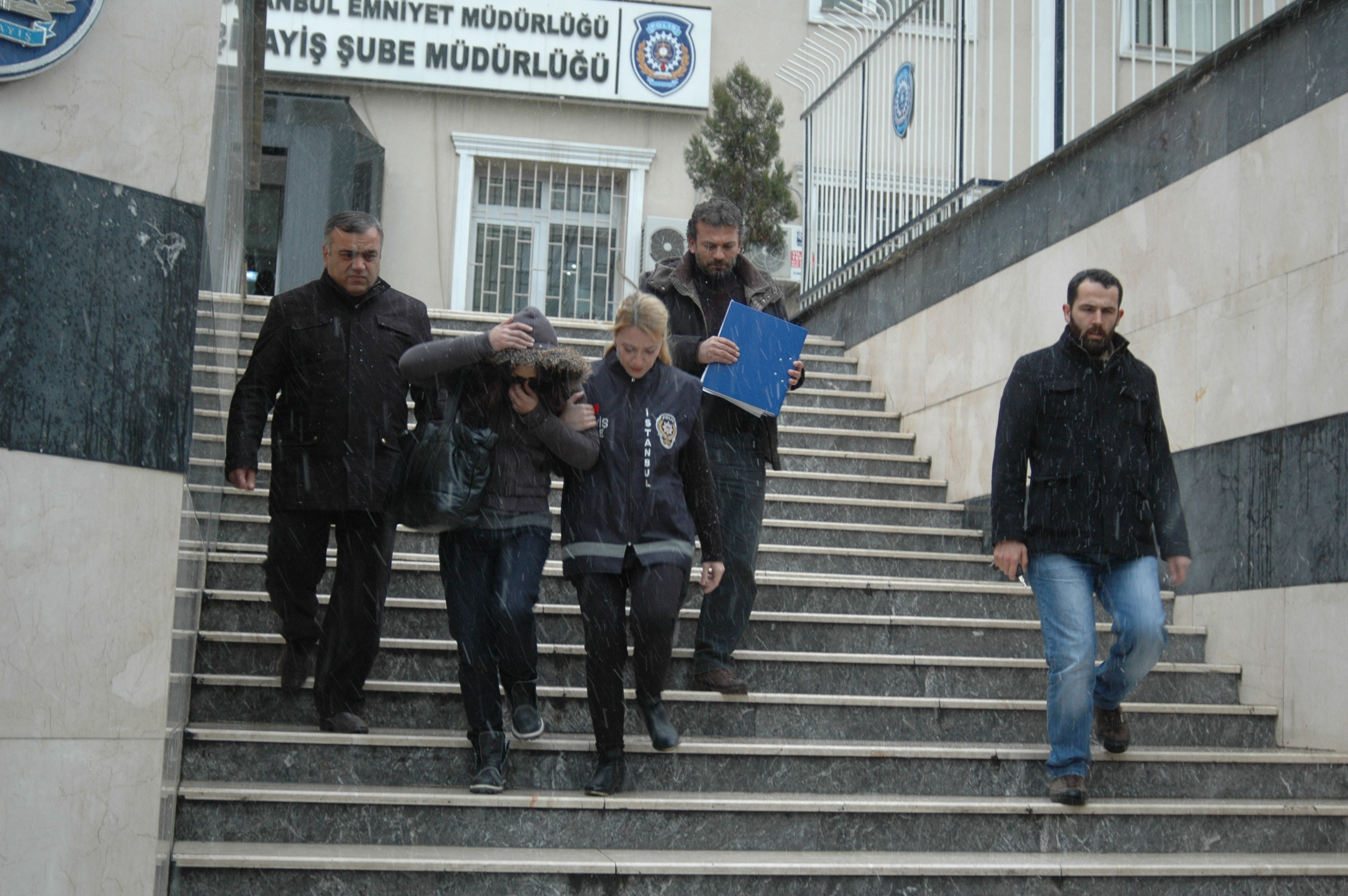Arkadaşı Mayagüzeli Kerimova'yı öldürüp Parçalara ayırdı