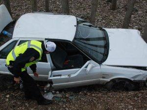 Tokat'ta otomobil dereye yuvarlandı 7 şahıs yaralandı!