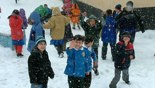 Okullar kar Engeli .. Bu İlde Okullar tatil edildi ..