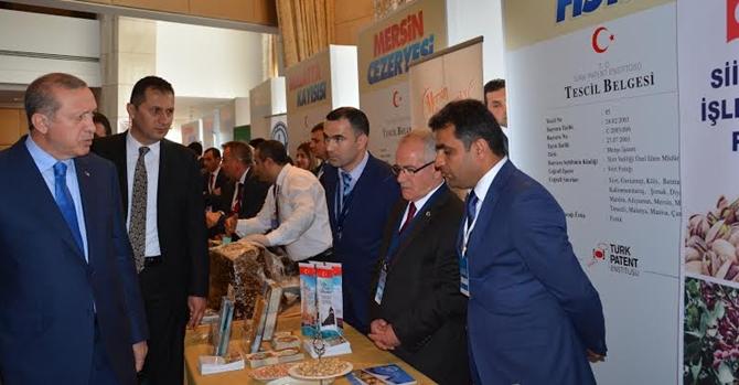 Siirt Fıstığı Standını, Cumhurbaşkanı Erdoğan Ziyaret Etti