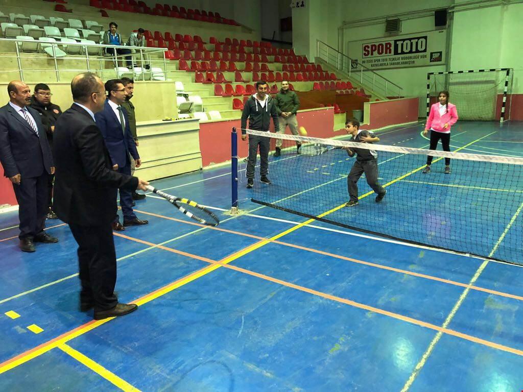 Vali Ali Fuat Atik, Spor Tesislerinde Gençlerle Buluştu