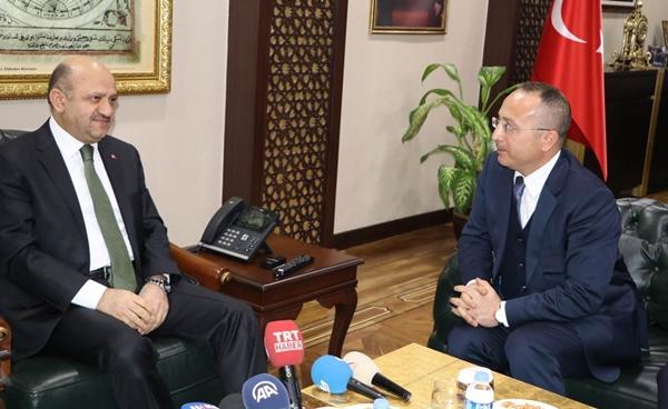 Başbakan Yardımcısı Fikri Işık Siirt'te