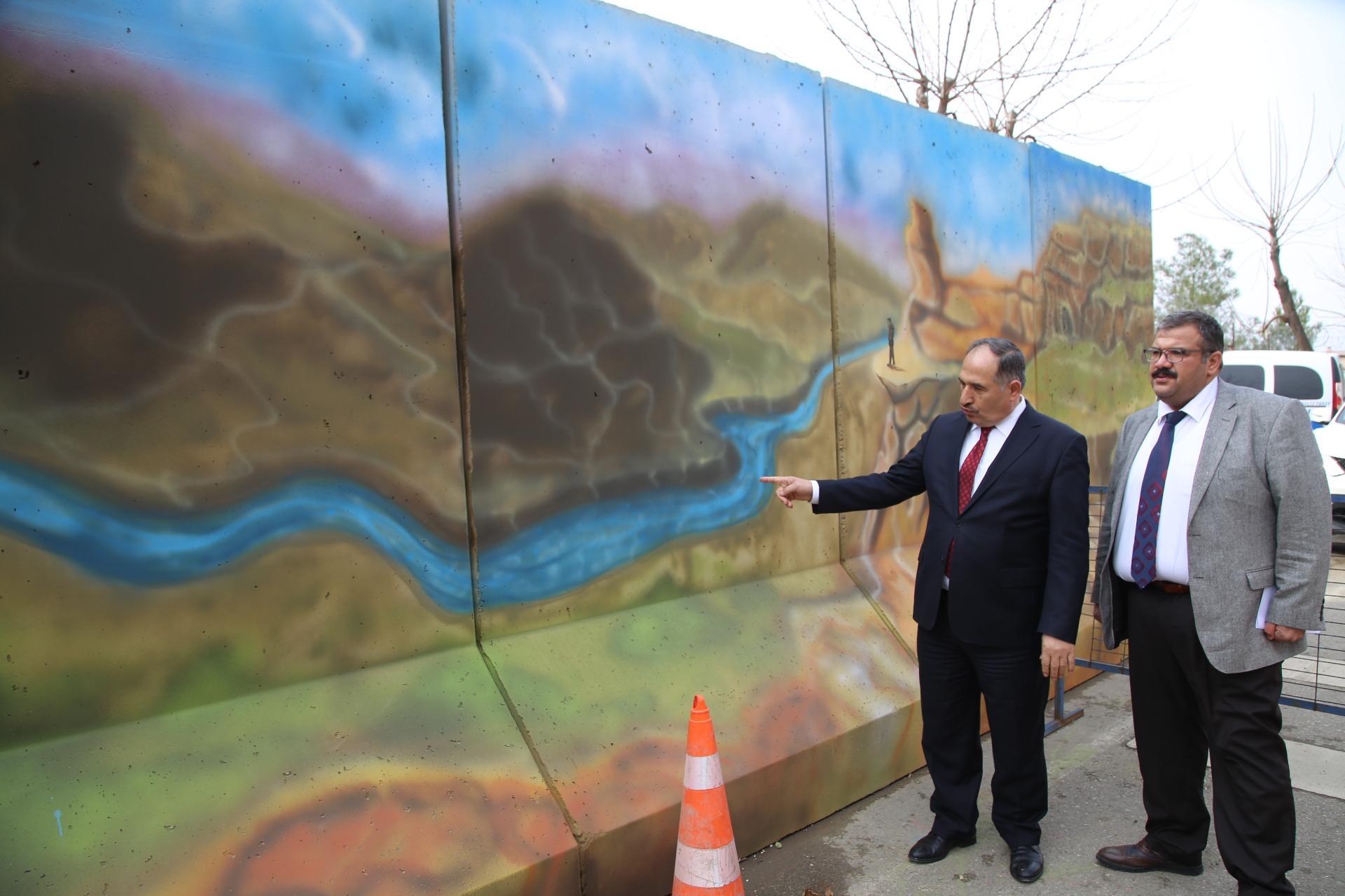 Siirt'te Duvarlar Renkli Motiflerle Süsleniyor
