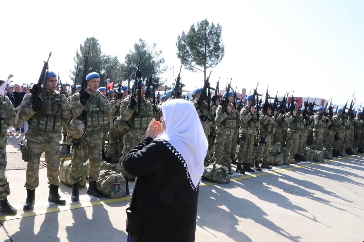 Siirt'te, Kahraman Komandolar Dualarla Afrin'e Uğurlandı
