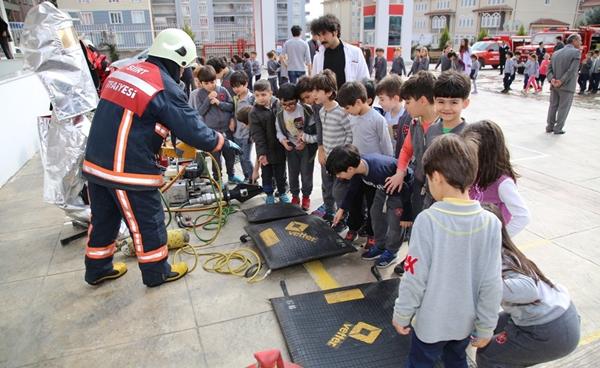 İtfaiyeden Okullara Yangın Tatbikatı
