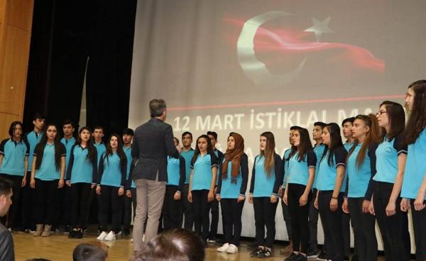 Siirt'te Mehmet Akif Ersoy'u Anma Günü Çeşitli Etkinliklerle Kutlandı