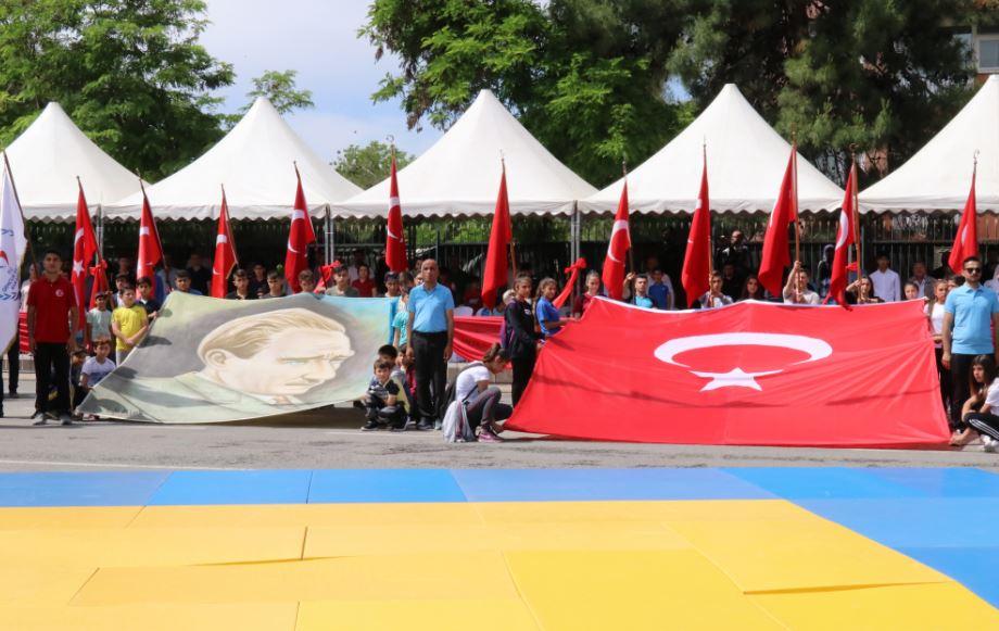 Siirt'te 19 Mayıs Coşkuyla kutlandı