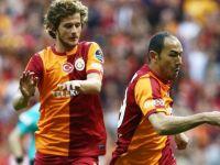 Galatasaray'da bomba gibi ayrılık!