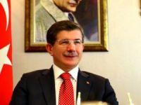 Davutoğlu: Sınırdan 4 bin kişi Türkiye'ye girdi!
