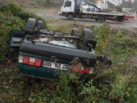 Yoldan çıkan otomobil şarampole yuvarlandı: 3 yaralı