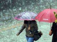 Rizede Etkili Yağış Hayatı Felç Etti!