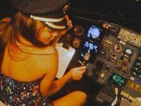 Şarkıcı kız arkadaşına uçağı uçurtunca...