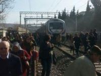 İZBAN banliyo treninde patlama:7 yaralı