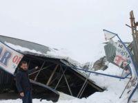 Siirt'te kar yağışı hayatı felç etti.