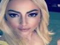 Hadise Gögüs Dekolteli Frikikli Kostümlü Elbisesi adeta sosyal medyayı çalkaladı