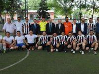Siirt' te Valilik Halı Saha Futbol Turnuvası Başladı