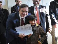 Başkan V.Taşkın Suriyeli Öğrencilere Karne Dağıttı