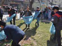 Siirt'te öğrencilerden temizlik kampanyası
