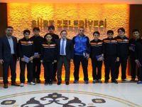 Başkan Taşkın, Şampiyon öğrencileri makamında kabul etti