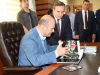 İçişleri Bakanı Süleyman Soylu Siirt Belediyasimi ziyaret etti