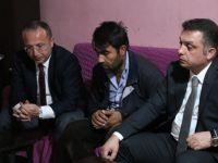 Vali Atik,  kazada ölen çocuğun ailesine taziye ziyaretinde bulundu