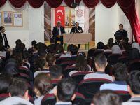 Taşkın, 75. Yıl Mesleki ve Teknik Anadolu Lisesi Öğrencileriyle Bir Araya Geldi