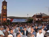 Siirt Valisi Eruh'ta iftar sofrasında vatandaşla buluştu