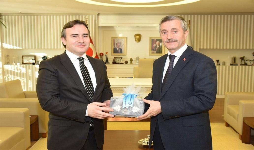 700-belediye-baskan-vtaskin-ve-ekibi-sahinbey-belediyesini-ziyaret-etti-1032x609.jpeg