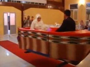 Düğünde Karadeniz işi konuk selamlama
