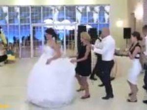 Bu aralar Penguen dansı moda..!