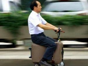 Ne Motorsiklet Ne De Araba Bu Bir Bavul..