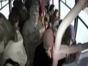 Liseli Kıza Otobüste Taciz