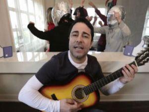 Atilla Taş'tan Sevgililer Gününe Özel Şarkı!